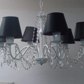 Araña de 6 luces con caireles y pantallas
